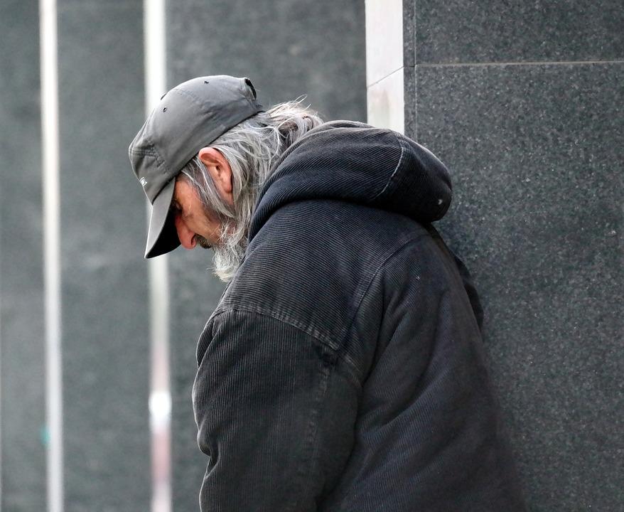 В Севастополе одинокому бездомному нашли приют в Доме престарелых