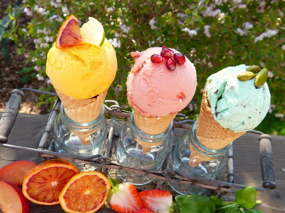 Роспотребнадзор дал рекомендации по выбору мороженого