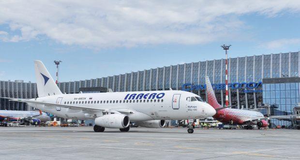 Новая авиакомпания начала выполнять рейсы в Крым