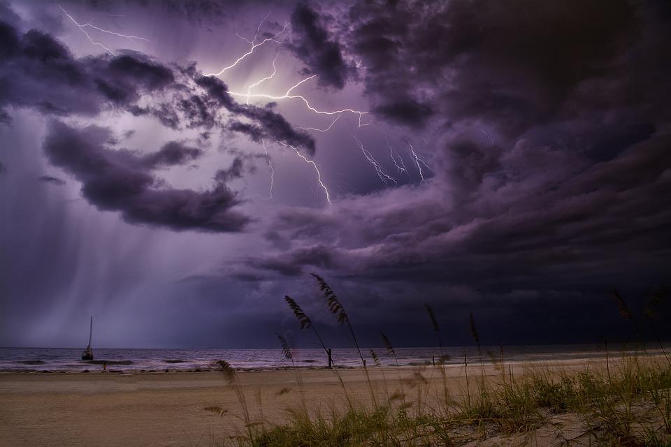 Скандинавский циклон несет в Крым похолодание и непогоду: прогноз до конца недели