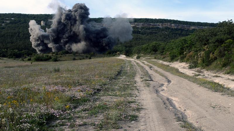 В Севастополе одновременно подорвали 11 авиабомб