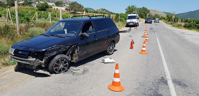 На трассе Судак-Алушта столкнулись два автомобиля