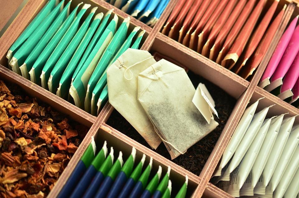 Роскачество обнаружило кишечную палочку в чайных пакетиках