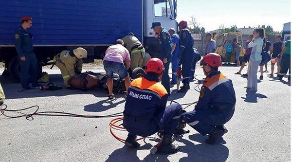 В Крыму при столкновении с грузовиком погиб мотоциклист