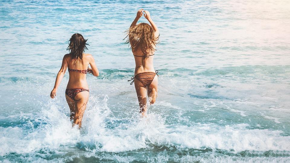 В Севастополе вода не на всех пляжах безопасна