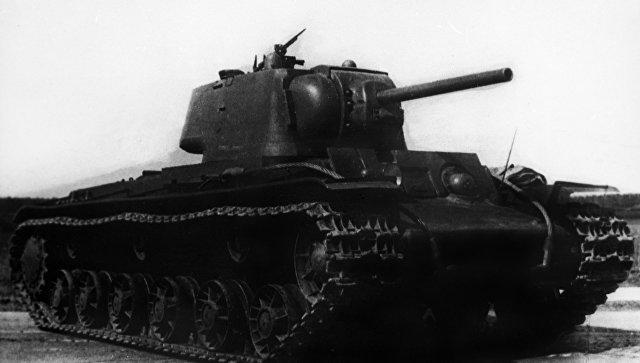 На границе с Украиной нашли советский танк с останками экипажа