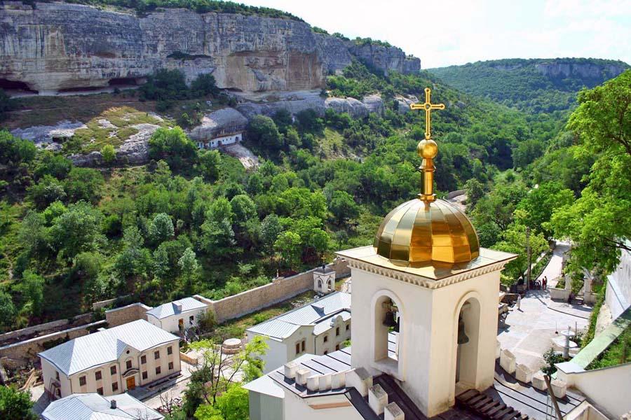 Для членов ветеранских организаций Севастополя организовали экскурсию ко Дню Крещения Руси