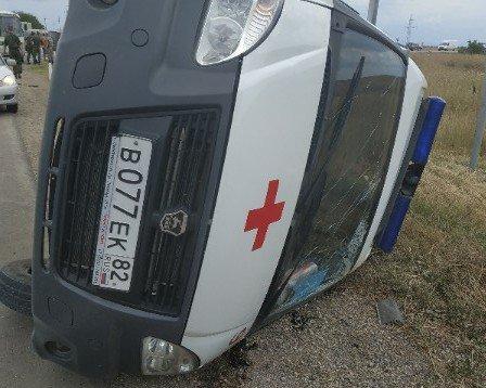 В Крыму на трассе перевернулась «скорая» — ищут свидетелей