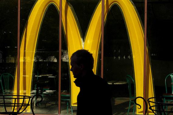 Сбербанк и McDonalds откроют отделения с фаст-фудом