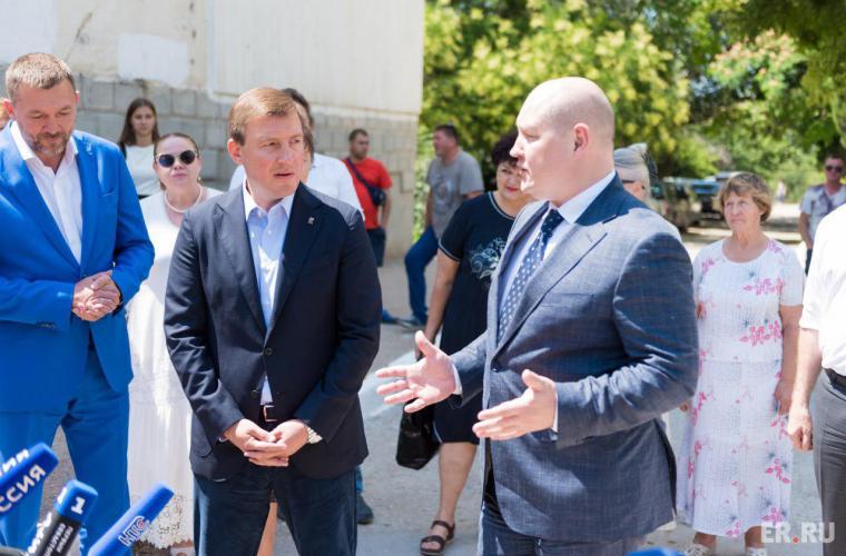 Михаил Развожаев осмотрел наиболее проблемные объекты Севастополя