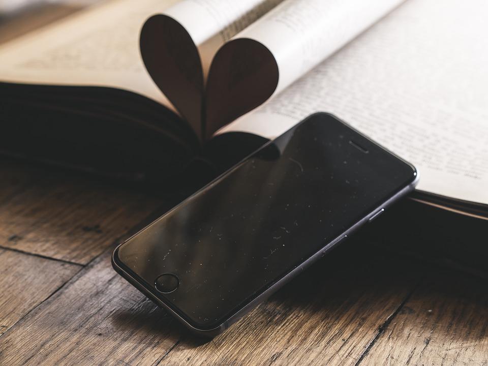 В России предлагают запретить мобильные телефоны в школах