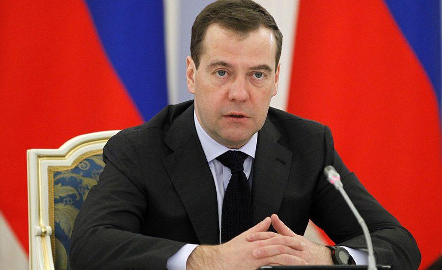 Дмитрий Медведев посетит в Севастополе парад в честь Дня ВМФ
