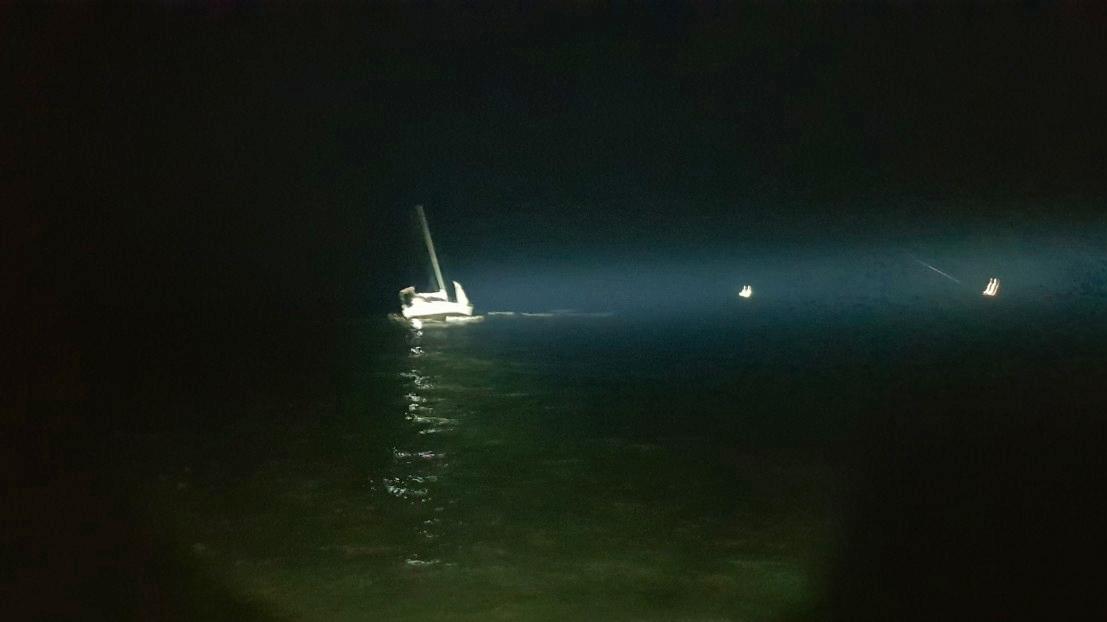 У берегов Судака села на мель яхта