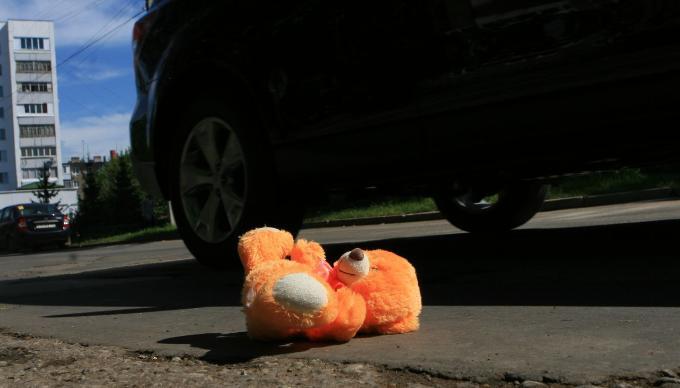 В Крыму иномарка сбила во дворе шестилетнего ребенка