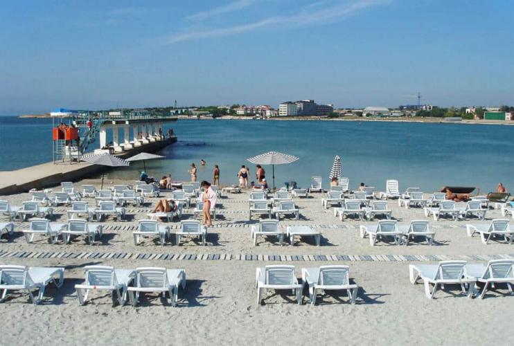 Севприроднадзор не выявил сброс сточных вод в акваторию пляжа бухты Омега