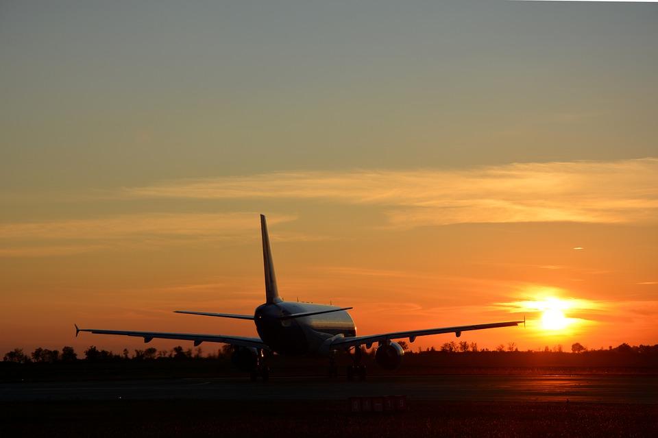 Самолет со 140 пассажирами готовится совершить аварийную посадку в Симферополе