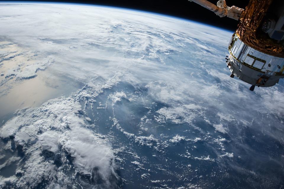 «Роскосмос» поможет очистить Крым от мусора