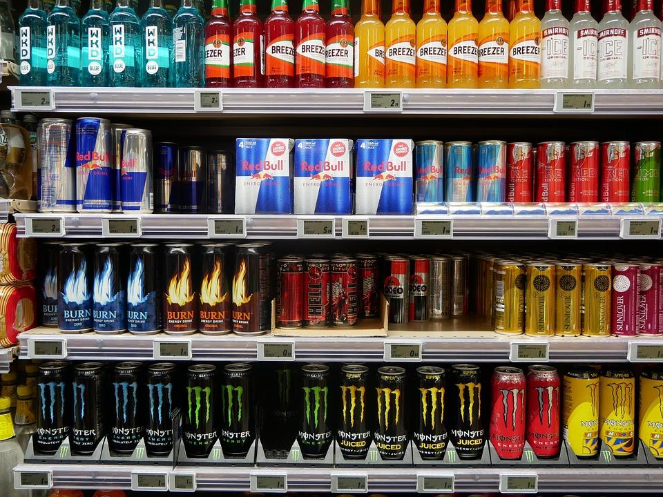 В российские магазины могут вернуться алкоэнергетики