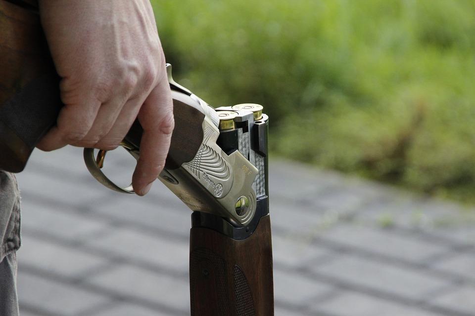 В Крыму задержали пьяного мужчину с ружьем