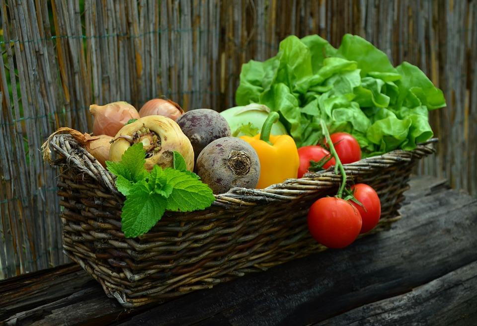 В Роспотребнадзоре рассказали, как определить овощи с нитратами