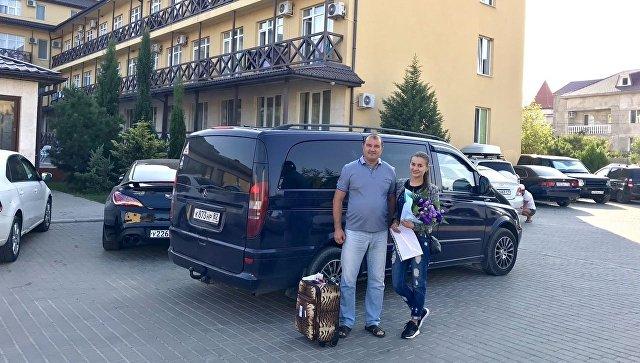 Бортпроводница с легендарного А321 прибыла на отдых в Крым