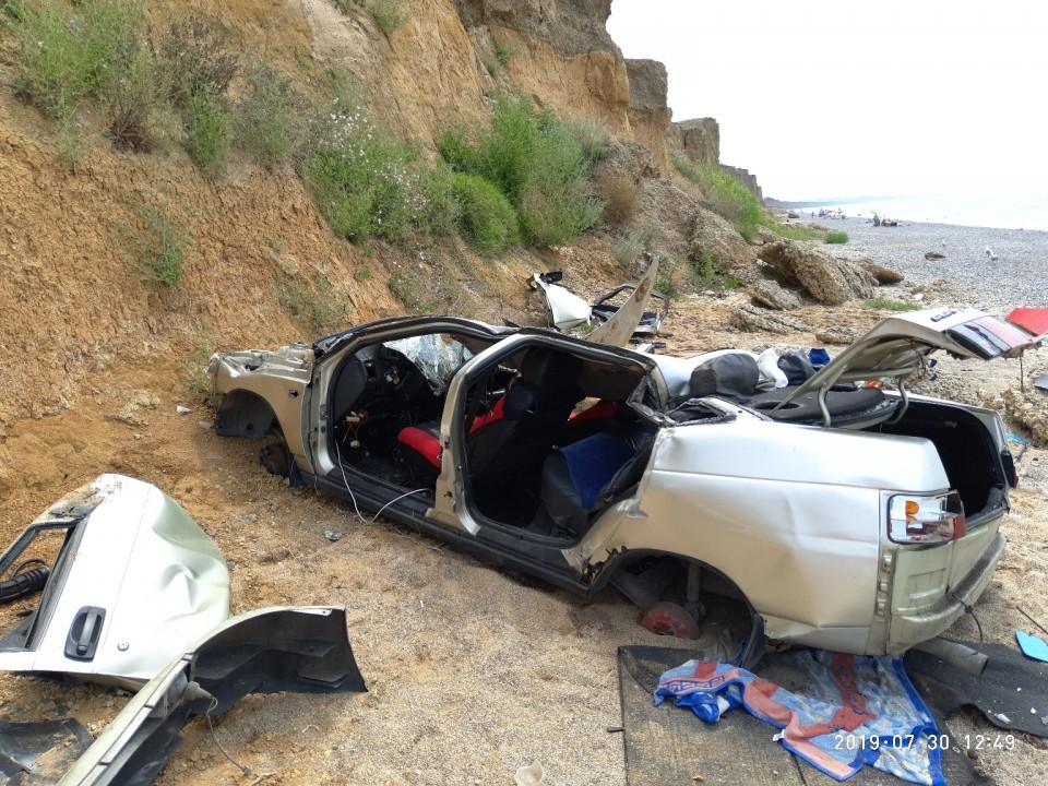 Водитель упавшего с обрыва в Николаевке автомобиля умер, не выходя из комы