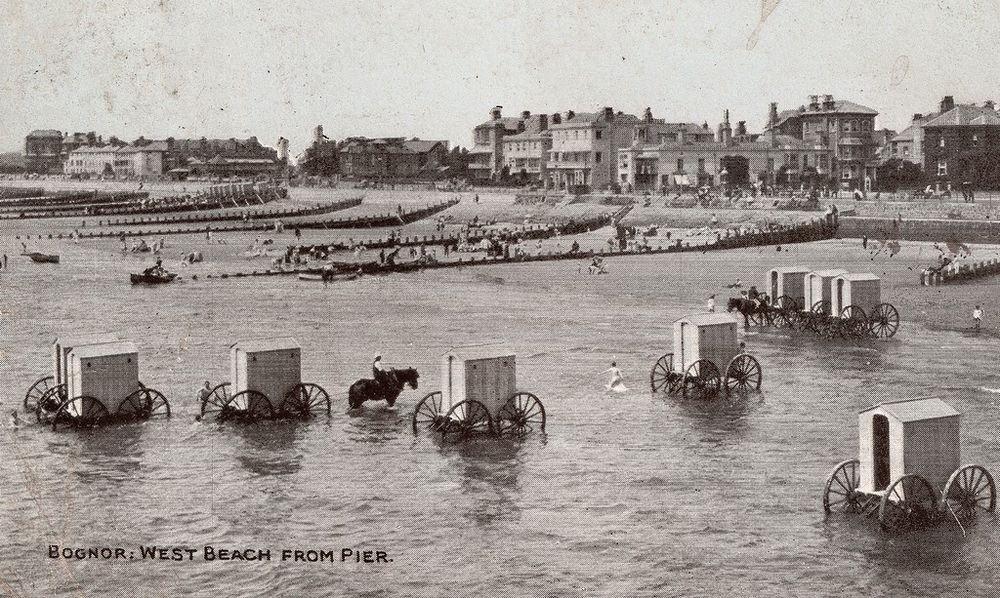 На пляже Хрустальный появятся купальные машины начала ХХ века