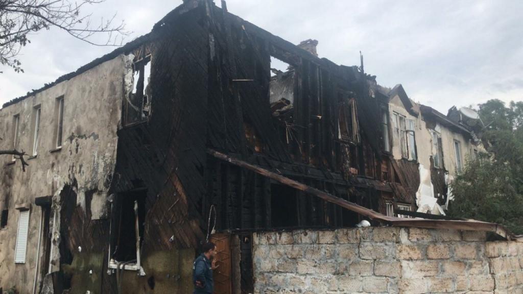 Жильцам сгоревшего в Севастополе дома предоставят новое жилье