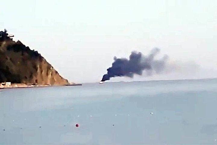 В Черном море загорелось и утонуло судно