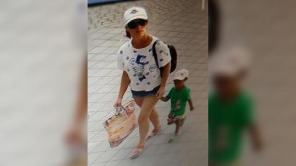 «Найдите ей новых родителей»: женщина оставила дочь в кафе с запиской в кармане