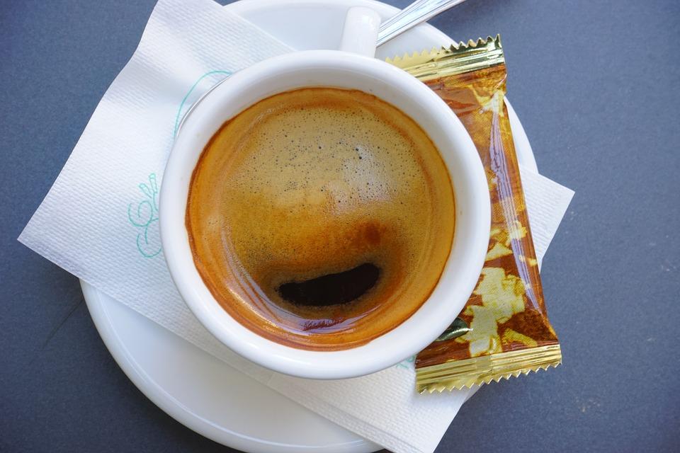 Севастополец украл в магазине более 20 упаковок кофейного напитка