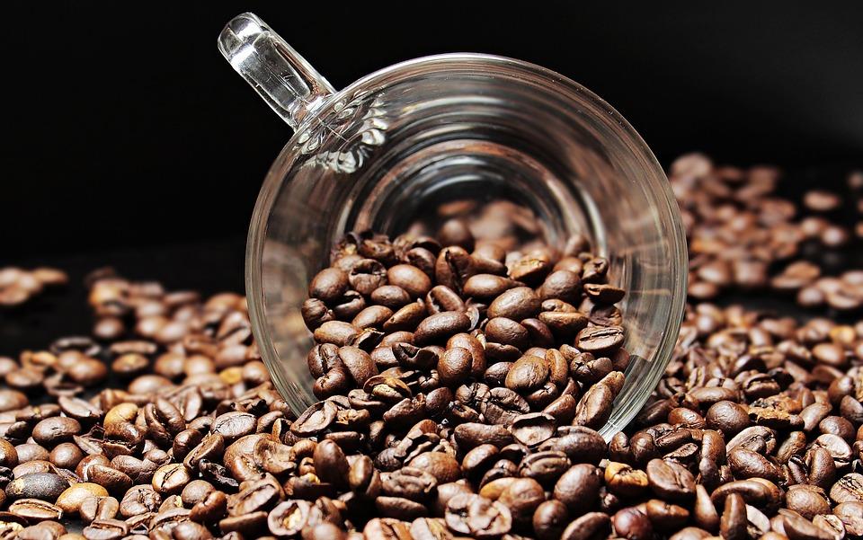 Врачи рассказали о вреде кофе при усталости
