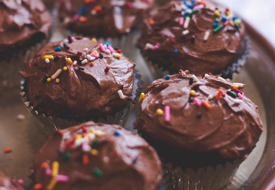 Названы самые популярные у россиян сладости