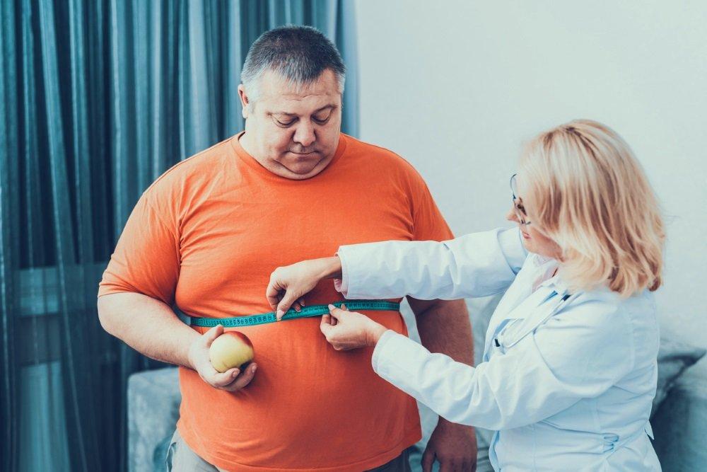 Ученые назвали главную опасность жира на животе
