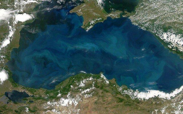 Через крымские порты предложили перевозить иранскую нефть