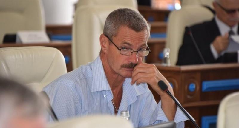 «С усиками»: севастопольцы попытались вспомнить своего депутата