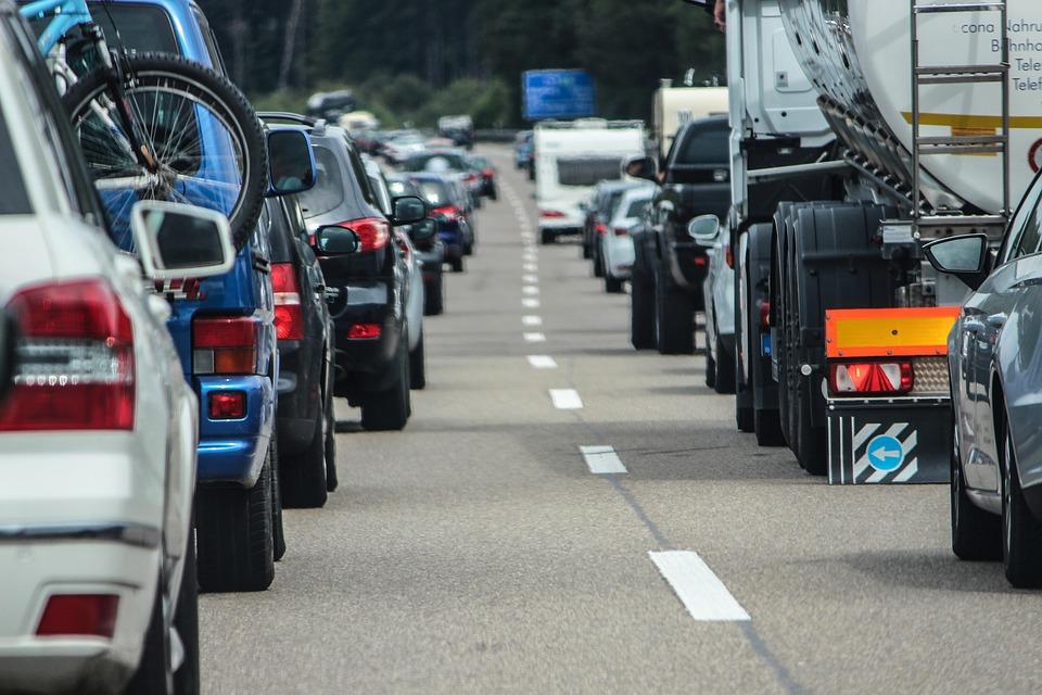 Дорожные работы под Симферополем собрали 15-километровую пробку