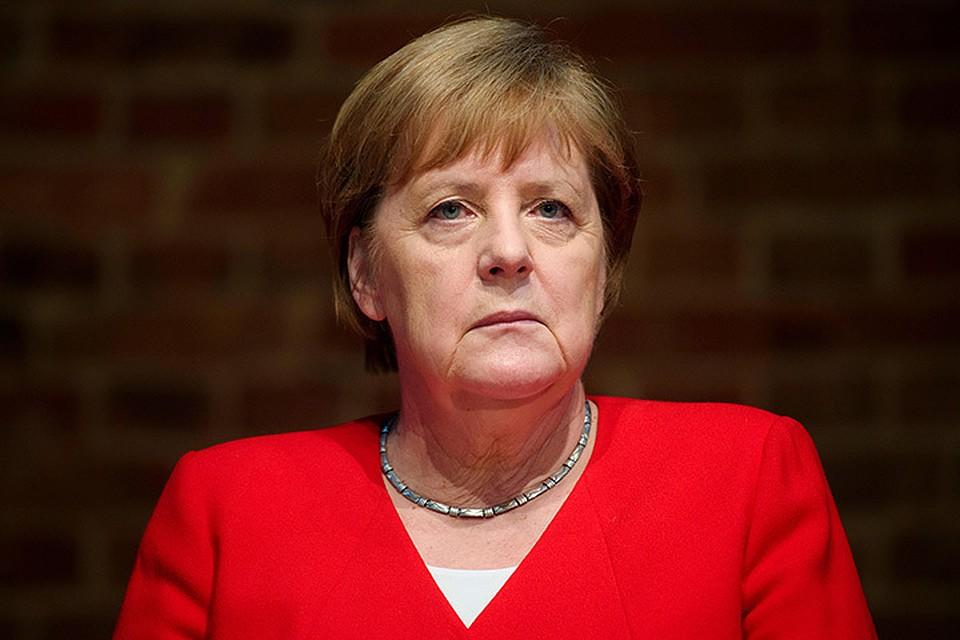 Меркель очень хочет, чтобы Путин с Зеленским поговорили