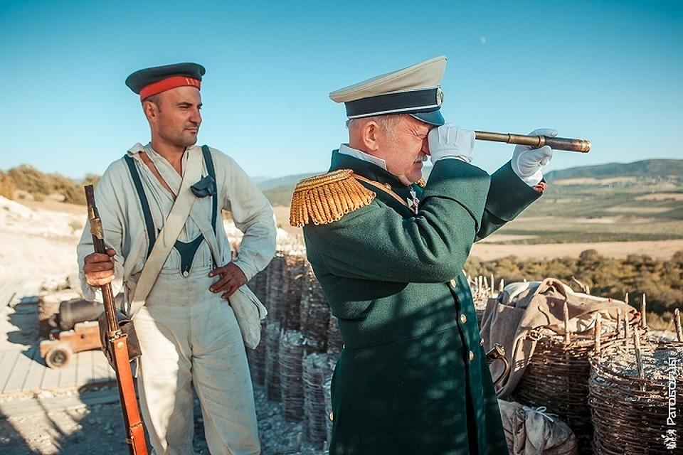 Театрализованный троллейбус, ретро-вечеринка, бесплатные экскурсии: как в Севастополе пройдет VI военно-исторический фестиваль