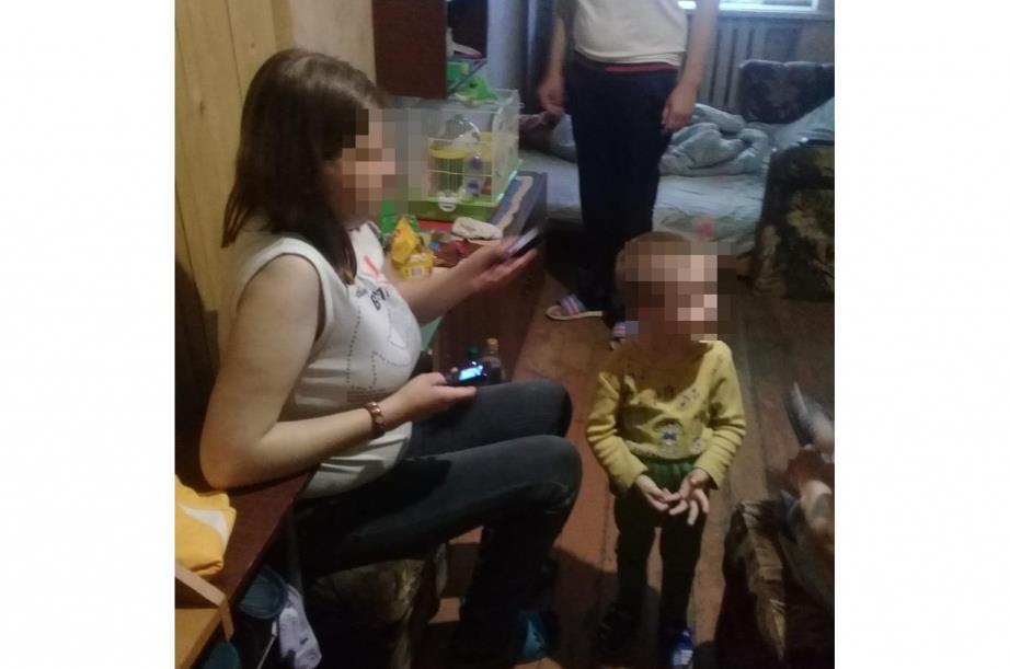 Россиянка зарезала мешавшего отдыхать 2-летнего сына