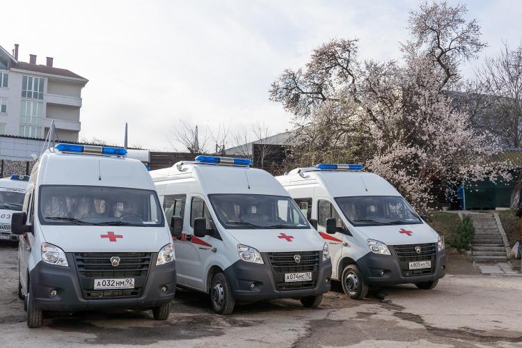 Работники «скорой» в Севастополе поблагодарили автомобилистов