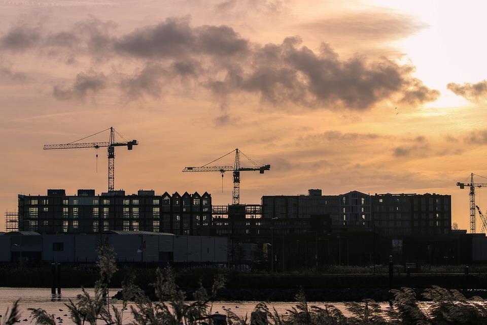 В Севастополе предупредили о продающих квартиры мошенниках