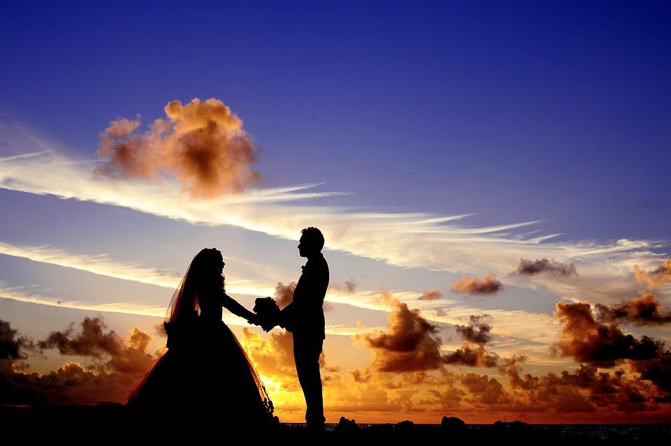 Жених избил невесту и выбил зубы, но свадьбу не отменили