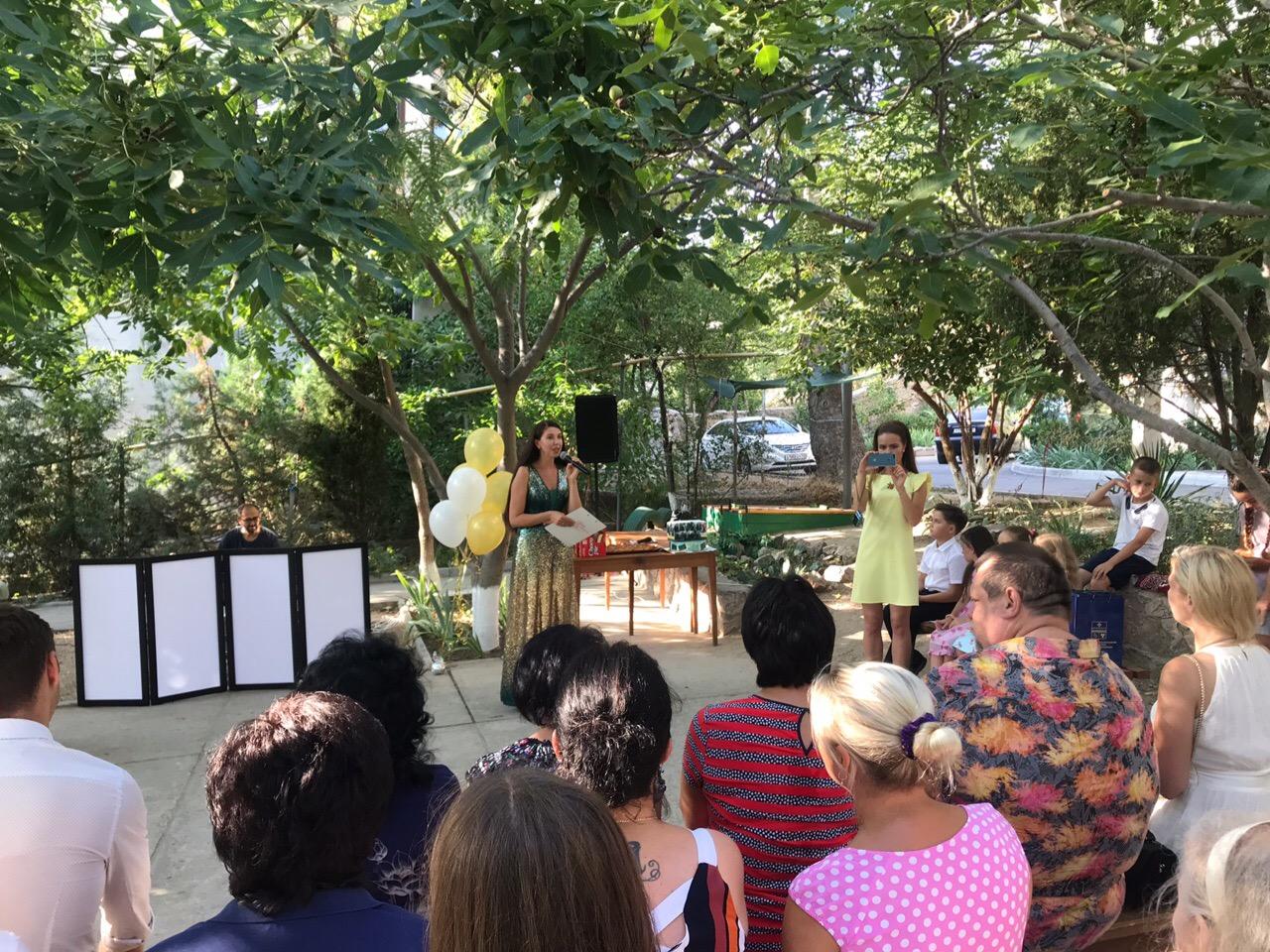 Шоу-программа, танцы и душевные разговоры: в Балаклаве прошел праздник