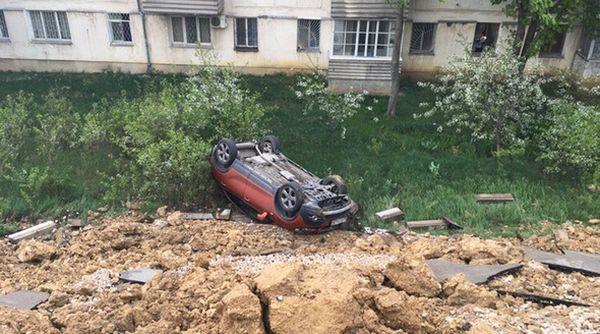 Жительница Севастополя требует компенсацию за уничтоженный при обрушении парковки автомобиль