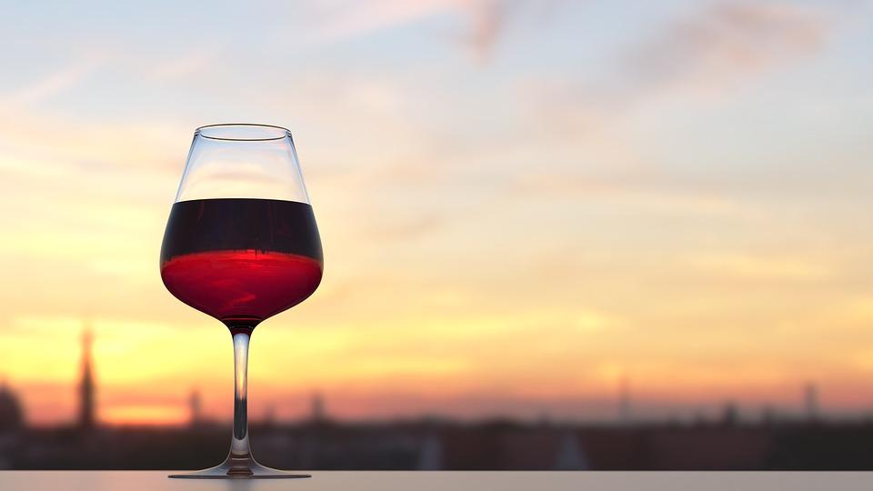 Ученые опровергли миф о пользе красного вина