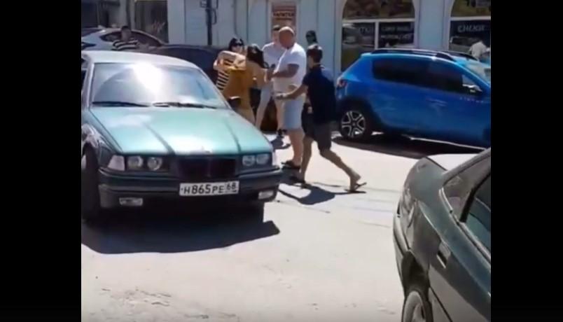 В Севастополе произошла массовая драка из-за парковочного места