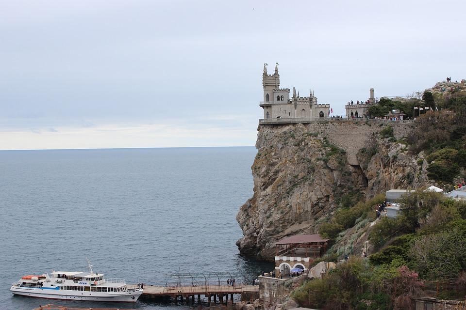 В Крыму закрыли «Ласточкино гнездо»