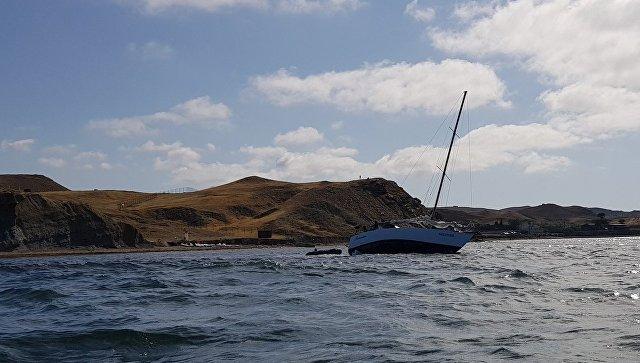 Одну пассажирку не нашли: стали известны подробности крушения катера с людьми в Судаке