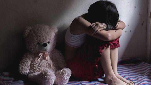 Мужчина четыре дня удерживал и насиловал школьницу в московской квартире